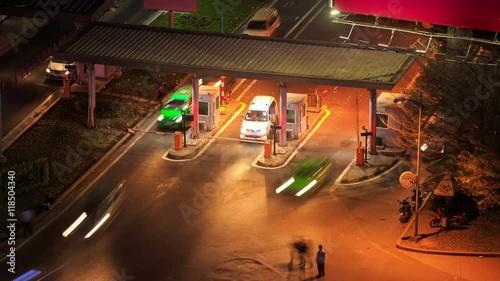 Foto op Plexiglas New York TAXI Busy Car Traffic on Highway near Airport at Night