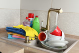 Set wipes and detergents for washing dishes