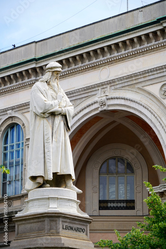 statue of Leonardo da Vinci Poster