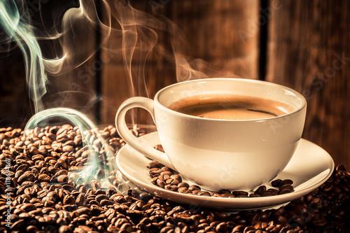 Papiers peints Café en grains Fragrance coffee cup with roasted grains