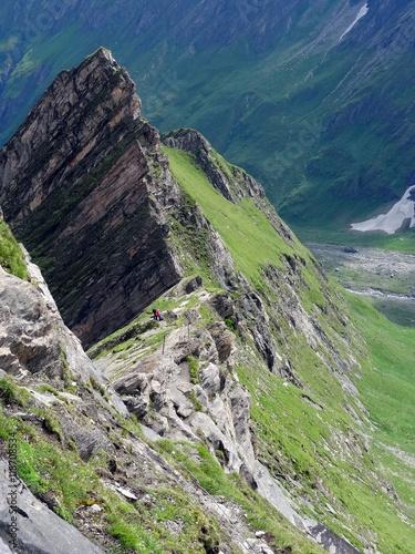 Keuken foto achterwand Olijf 2 Bergsteiger am Klettersteig zum Hohen Tenn im Nationalpark Hohe Tauern, Österreich