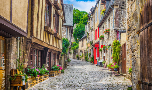 Fototapety, obrazy : Traditional houses in narrow alley in an old town in Europe