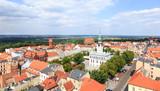 Widok na ratusz oraqz rynek starego miasta w Chełmnie. Chełmno – miasto w województwie kujawsko-pomorskim, siedziba powiatu chełmińskiego w dolinie Wisły