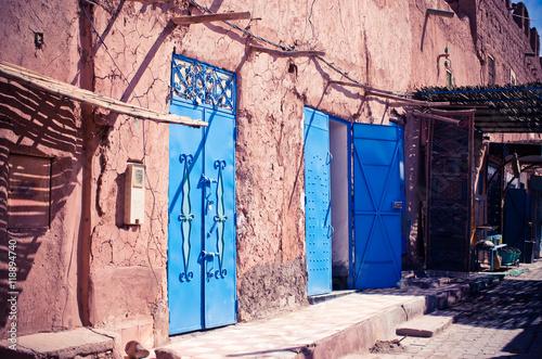 Fotobehang Marokko Narrow street of Ouarzazate - Morocco