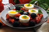Eggs peppers blackberries basil Trứng ớt blackberries húng quế Uova peperonata more basilico Huevos pimientos moras albahaca Eier paprika brombeeren basilikum Sommerküche Cucina estiva