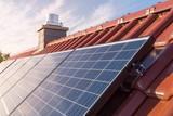 Photovoltaikanlage auf dem Dach - 119002551