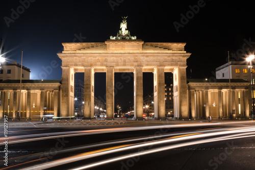 Naklejka Brandenburger Tor in der Nacht