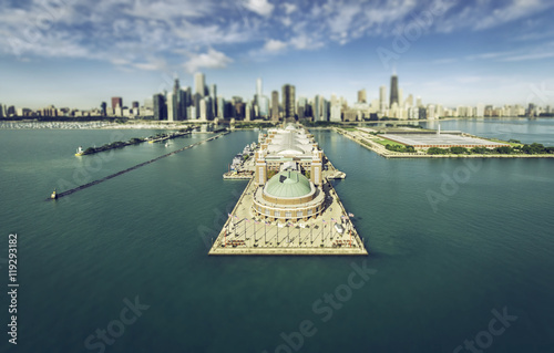 Tuinposter Chicago Chicago Skyline aerial view with pier