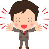 笑顔で両手を上げるスーツの男性