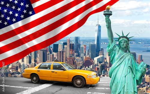 Keuken foto achterwand New York TAXI New York City with Liberty Statue ad yellow cab