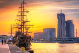 Zachód słońca w Gdyni na Morzu Bałtyckim, Polska