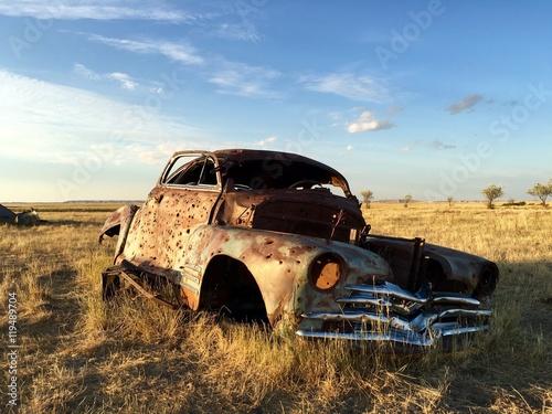 Poster 1940s derelict car
