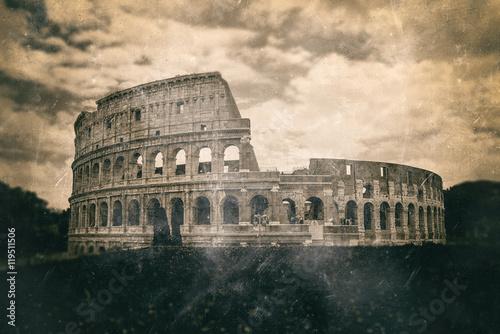 efekt-druku-w-stylu-vintage-z-koloseum-w-rzymie