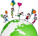 Kinder mit Luftballon