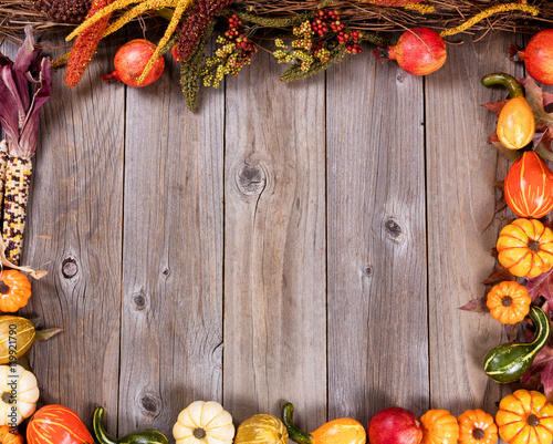 Complete border of autumn gourd decorations for the seasonal holidays