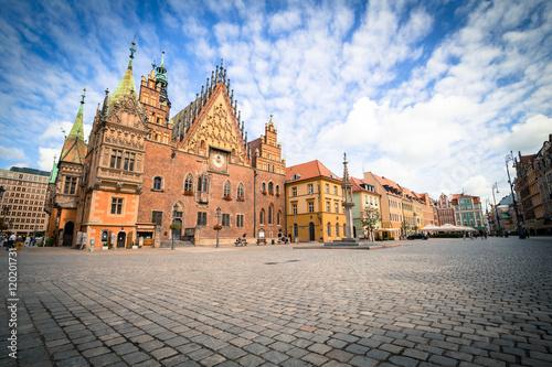 Zdjęcia na płótnie, fototapety na wymiar, obrazy na ścianę : View of the historical marketplace in Wroclaw / Poland.