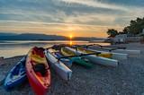 Kajaki na plaży w Lumbardzie - 120415362