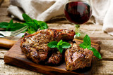 Grilled lamb chops marinated with mint - 120842310