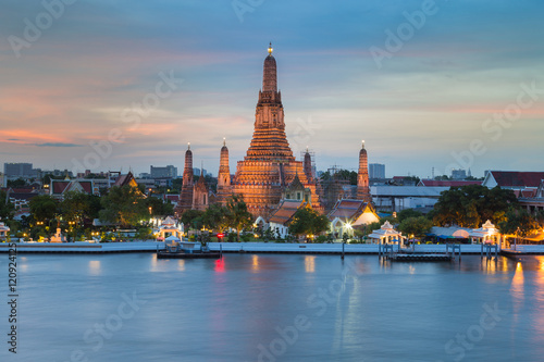 Foto op Plexiglas Japan Arun temple river front with beautiful sky background, Bangkok Thailand Landmark