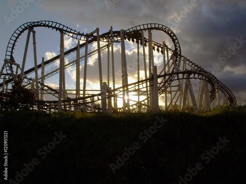 Keuken foto achterwand Amusementspark Achterbahn bei Halloween