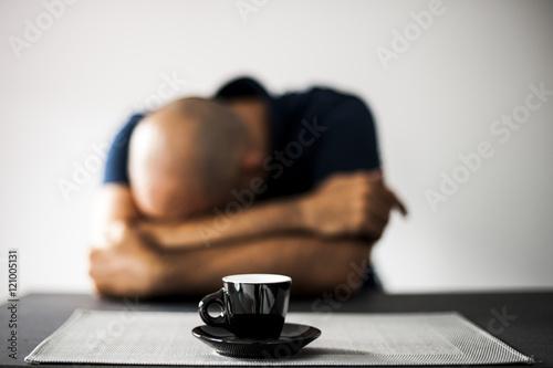 disperazione e caffè la mattina presto