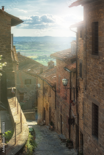 Beautiful streets and corners of the Tuscan town of Cortona, Ita © gentelmenit