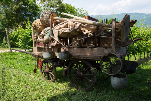 Poster Old wooden farm Wagon - Chariot in vintage style
