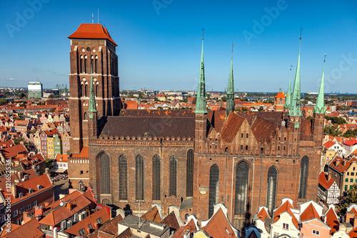 widok-z-gory-na-katedre-sw-marii-w-gdansku