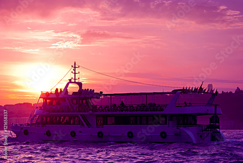 Foto op Canvas Candy roze Ship on the Bosphorus in Istanbul, Turkey.
