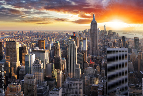 Naklejka New York skyline at sunset, USA.