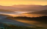 Wschód słońca w górach