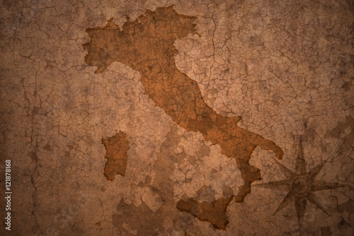 italy map on vintage crack paper background © luzitanija