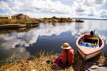 Uros Insel im Titicacasee, Peru__