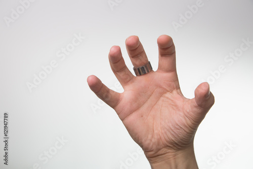 Poster Männerhand greift zu