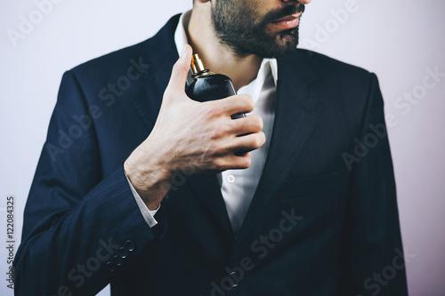 człowiek i perfumy