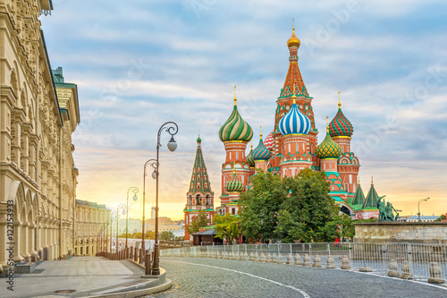 Poster, Tablou Saint Basil Cathedral on sunrise, Moscow