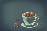 Fototapety Kaffeebohnen in einer Tasse aus Kreide auf Tafel