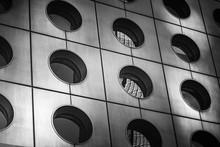 Nowoczesna architektura w czerni i bieli