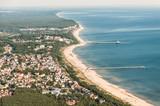 Luftaufnahme der 3 Kaiserbäder Ahlbeck, Heringsdorf & Bansin auf der Insel Usedom - 122856508