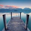 Blick in die Berge, Steg zum See