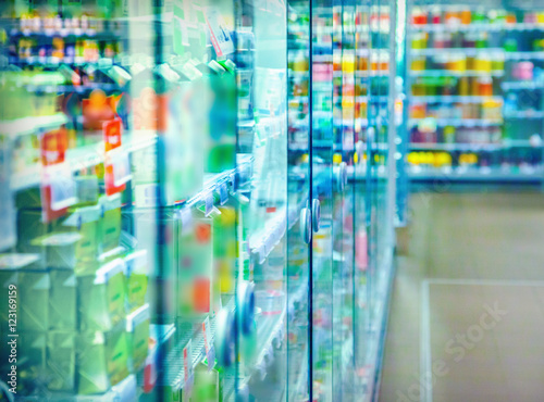 Keuken foto achterwand Boodschappen Refrigerator in the supermarket