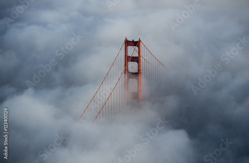 Poster Golden Gate Bridge Above Fog