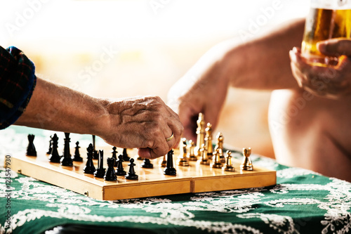 Poster Playing chess