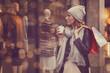 canvas print picture - Frau beim bummeln in der Stadt