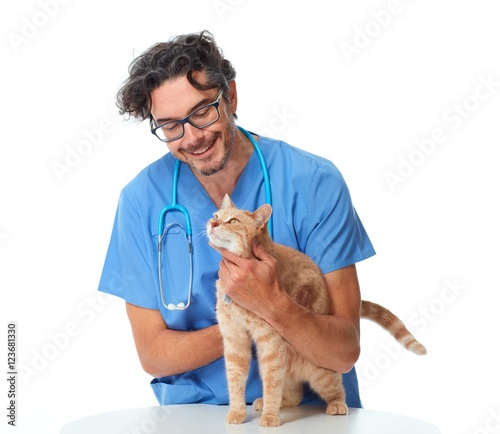 Veterinarian doctor with cat. © Kurhan