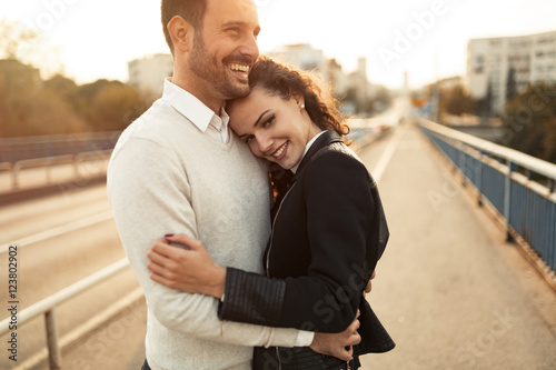 Billede Beautiful couple together in city