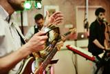Fototapety band spielt auf einer feier, e-Gitarre,