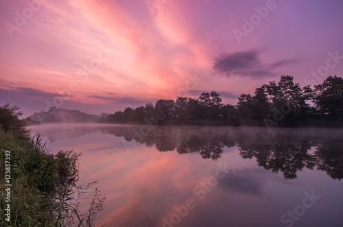 Foto op Plexiglas Lichtroze Colorful morning over Vistula river near Krakow, Poland