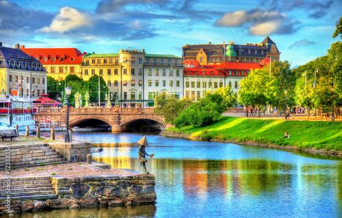 Leinwanddruck Bild Canal in the historic centre of Gothenburg - Sweden