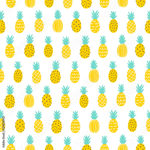Pineapple seamless pattern - 124038942